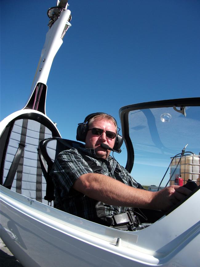 FlyZeit_Claus_Gyrocopter_Calidus_Tannheim_Sept_2011.jpg.JPG