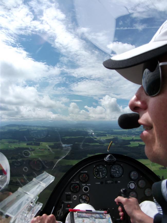 FlyZeit_Stefan_Gyrocopter_Calidus_Tannheim_Sept_2011.jpg.JPG.JPG